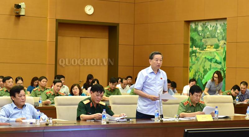 Bộ trưởng Bộ Công an Tô Lâm trình bày Tờ trình